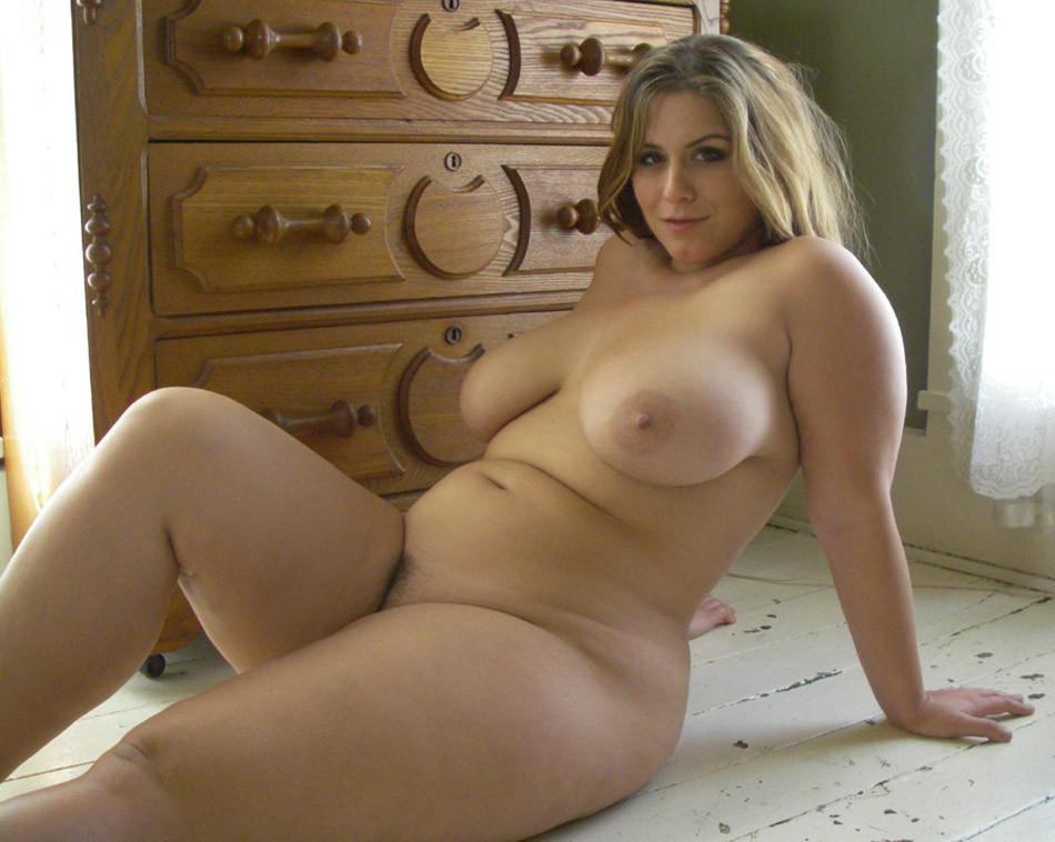 Девушки голые пышки фото